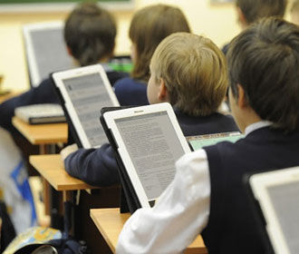 Украинские подростки зависят от соцсетей исклонны пренебрегать своим здоровьем – опрос