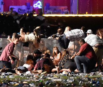 Владелец отеля в Лас-Вегасе, из окна которого застрелили 58 человек, подал в суд на пострадавших