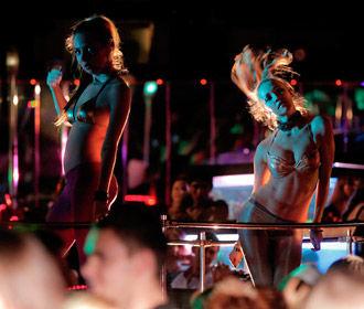 В Украине закрыли 37 ночных клубов из-за нарушения карантина