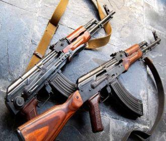 """Солдат в учебном центре """"Десна"""" выпустил себе в голову 16 пуль из автомата"""
