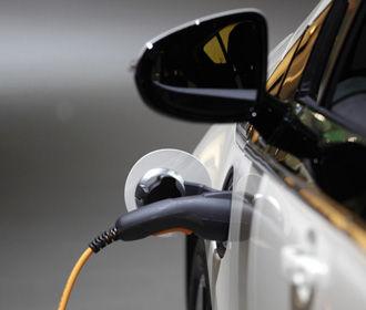За парковку на местах для электромобилей будут выписывать штраф