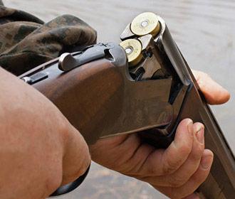 В Донецкой области мужчина застрелил троих соседей и покончил с собой