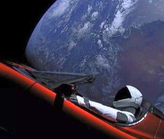 Tesla Илона Маска пролетел рядом с Марсом