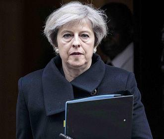 Королева Великобритании приняла отставку Терезы Мэй