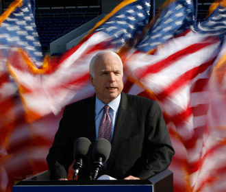 Маккейн предложил способ обезопасить НАТО от Трампа