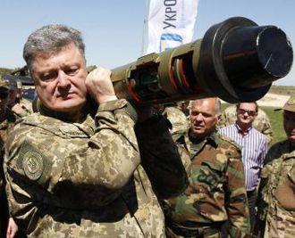 Порошенко в штабквартире НАТО призвал европейцев предоставить Украине оружие