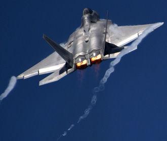 США перебросили в Европу эскадрилью истребителей в рамках сдерживания РФ