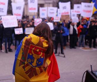 В Кишиневе силой разогнали антиправительственную акцию протеста