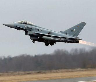Два истребителя столкнулись в небе над Германией