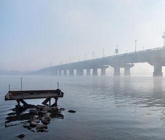 В Киеве задержали пьяного мужчину, сообщившего о минировании моста Патона