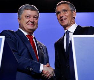 Порошенко договорился Столтенбергом, что НАТО будет следить за ситуацией в Азовском море