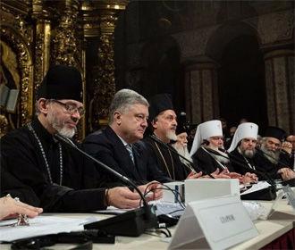 Независимой церковью мы завершаем строительство государства - Порошенко