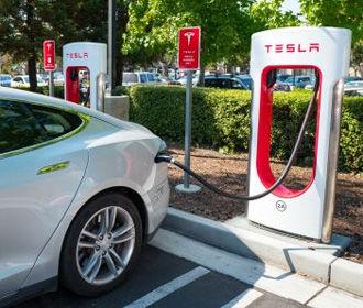 Маск сообщил, когда в Украине могут появиться зарядные станции Tesla