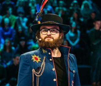 Полиция заочно объявила о подозрении двум иностранцам, напавшим на артиста DZIDZIO в Киеве