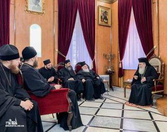 Иерусалимский патриарх отказал Порошенко, но встретился с делегацией УПЦ