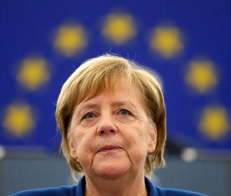 Меркель сочла себя здоровой после третьего приступа дрожи