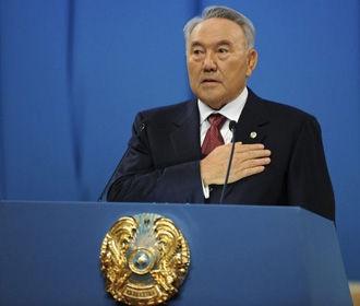 Назарбаев думал о сложении полномочий три года