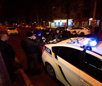 В Днепре пьяная компания напала на инкассаторов