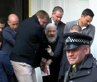 Швеция запросила ордер на заочный арест Ассанжа