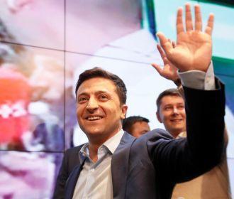 У Зеленского прокомментировали упрощение выдачи паспортов РФ жителям Донбасса