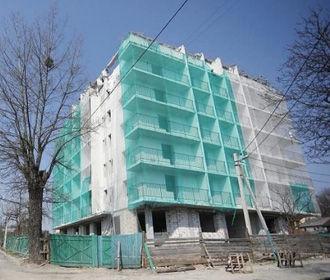 Во Львове впервые демонтировали многоэтажный дом, построенный с нарушениями