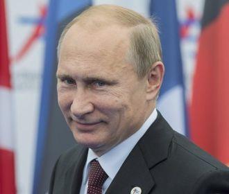 Путин упростил получение права на временное проживание в России