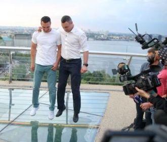 """""""Стеклянный мост"""" стал инструментом политической борьбы - Кличко"""