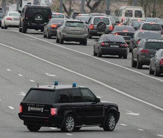 Зеленский отменил указ, запрещающий установку проблесковых маячков на обычные автомобили