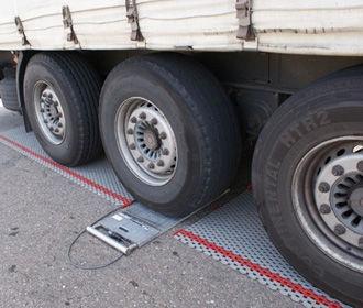 Рада намерена увеличить ответственность за превышение норм габаритно-весового контроля на дорогах
