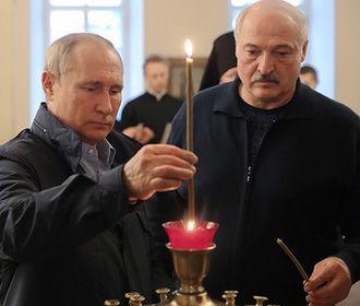 """Лукашенко пожаловался, что Россия каждый год """"завинчивает гайки"""""""