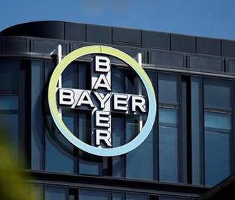Суд в США снизил компенсацию заболевшим раком супругам из-за гербицида Bayer