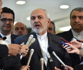 """Иран обвинил США в превращении Персидского залива в """"пороховую бочку"""""""