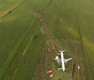 Командир уцелевшего Airbus вопреки инструкциям посадил самолет без шасси