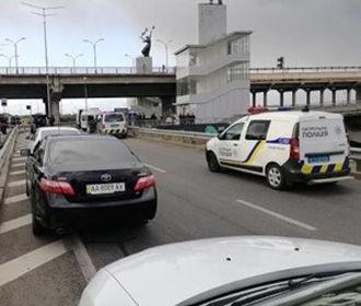 Угроза взрыва на мосту Метро: злоумышленник сбил полицейский дрон