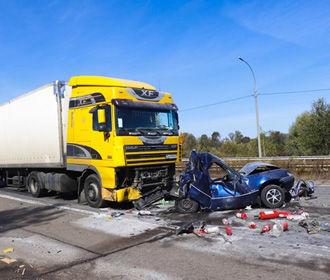 Кабмин планирует инвестировать более 3 миллиардов в безопасность на дорогах