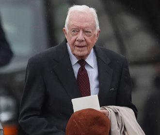 Джимми Картер госпитализирован после падения