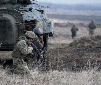 Два украинских военных ранены в результате 15 обстрелов на Донбассе – штаб