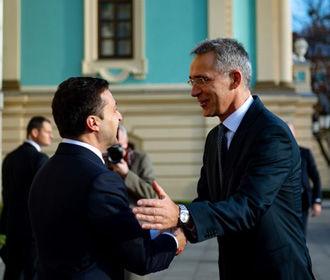 НАТО призывает Зеленского приложить усилия к урегулированию конфликта на востоке Украины