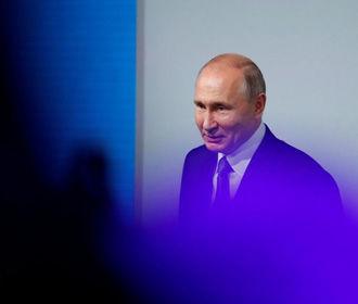 Путин поздравил украинцев с 9 Мая