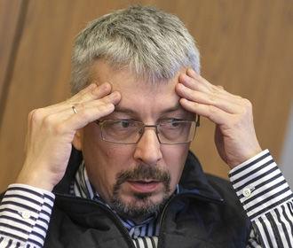 Ткаченко анонсировал введение обязательного страхования для журналистов