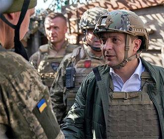 Украинские военные уполномочены давать отпор оккупантам на Донбассе — Зеленский