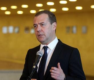 """Медведев поручил правительству РФ проработать меры на санкции США против """"Северного потока-2"""""""