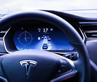 Tesla отзовет около 50 тысяч электромобилей