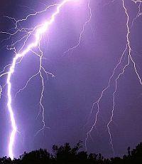 В Запорожской области от удара молнии погибла женщина