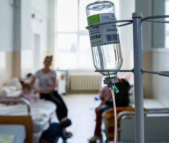 В Украине больничные койки заполнены на более чем 70% уже в 5 областях и Киеве