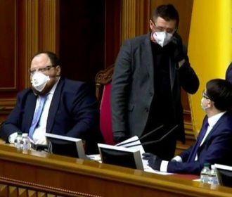 Спикер открыл внеочередное заседание Рады, зарегистрировано 357 депутатов