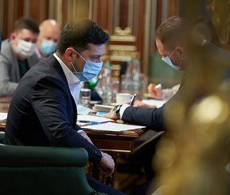 Зеленский призвал Минздрав не уменьшать количество тестирований на коронавирус на майские праздники
