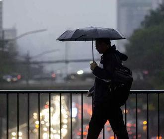 Все еще прохладно и дождливо на большей части Украины