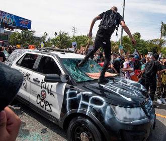 В США массово увольняются полицейские