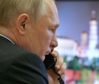 Путин с телефоном